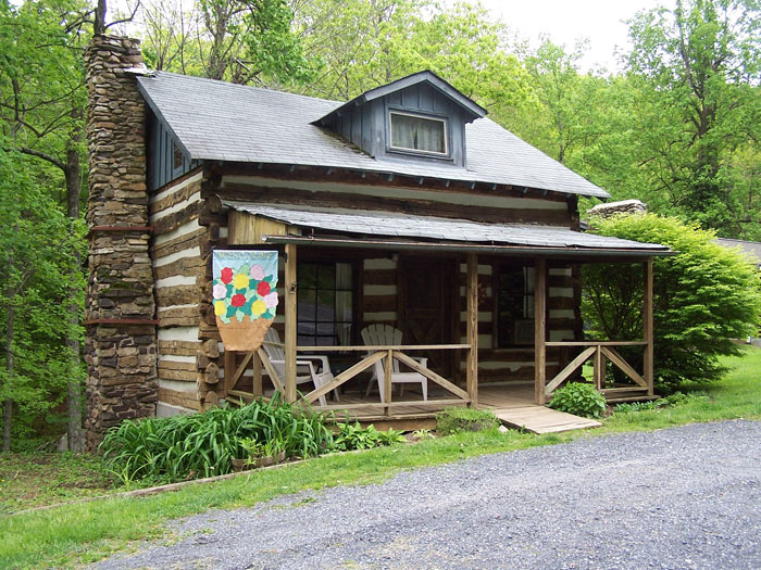 Pre-Civil War Log Cabin in Virginia Available for Stays
